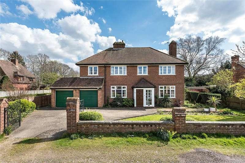 4 Bedrooms Detached House for sale in Links Way, Flackwell Heath, Bucks, HP10