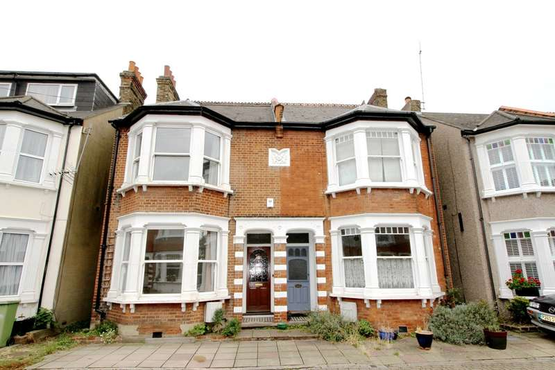 3 Bedrooms Semi Detached House for sale in Queens Road, Bromley