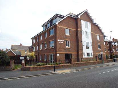 1 Bedroom Flat for sale in 50 High Street, Lee-On-The-Solent, Hampshire