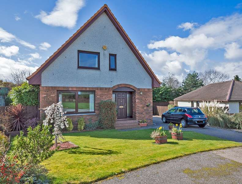 3 Bedrooms Detached House for sale in Wellside Place, Inverness, Highland, IV2