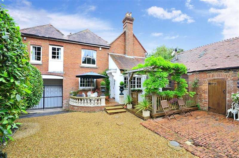 5 Bedrooms Unique Property for sale in Stane Street, Codmore Hill, Pulborough, West Sussex