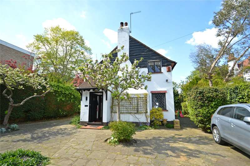 3 Bedrooms Detached House for sale in Ashburton Road, Croydon