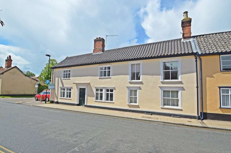 5 Bedrooms Semi Detached House for sale in Mount Street, Diss