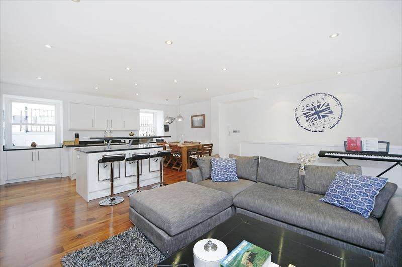 3 Bedrooms Flat for sale in St. Stephens Gardens, London, W2