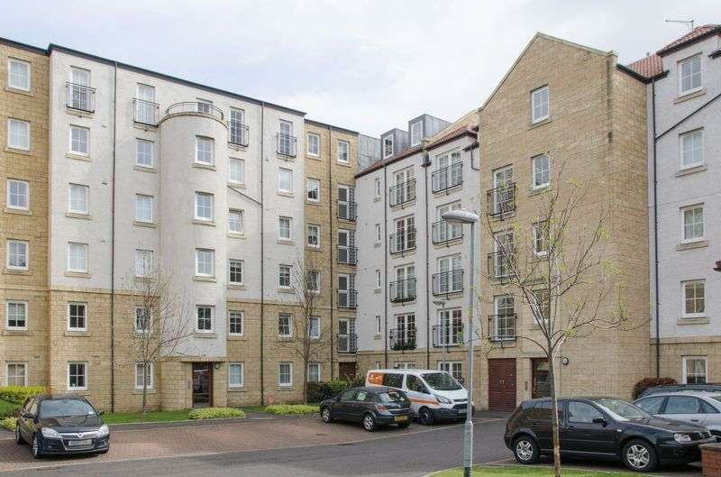 1 Bedroom Flat for sale in 10/15 Giles Street, The Shore, Edinburgh, EH6 6DA