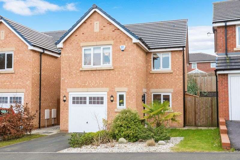 4 Bedrooms Detached House for sale in Bradley Close, Standish