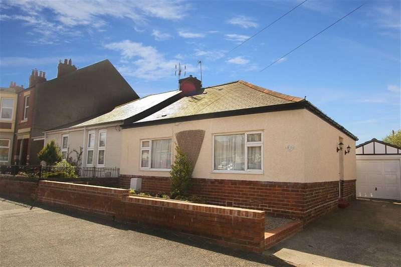 2 Bedrooms Bungalow for sale in East View, Wideopen, Newcastle Upon Tyne