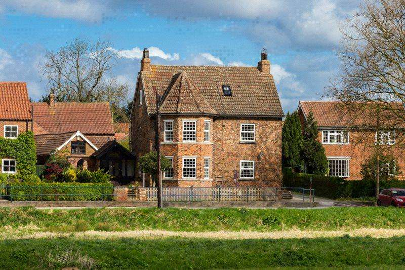 5 Bedrooms Detached House for sale in The Green, Stillingfleet, York, YO19