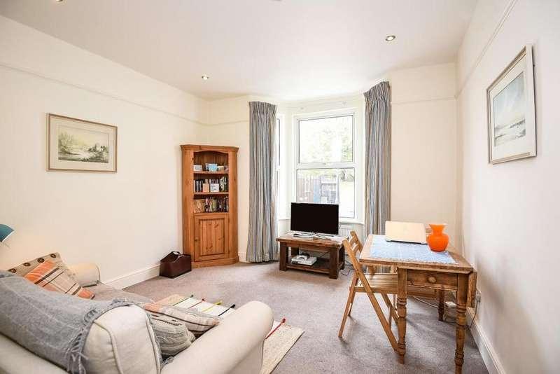 1 Bedroom Flat for sale in Estcourt Road, Fulham, SW6