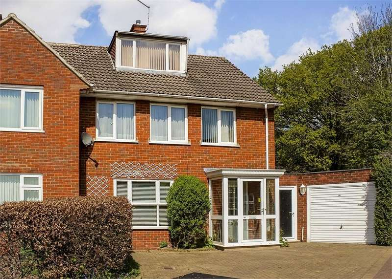 3 Bedrooms Semi Detached House for sale in Staverton Close, Bracknell, Berkshire