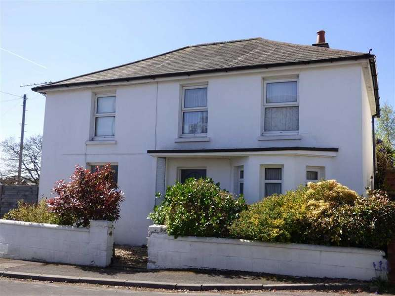 4 Bedrooms Detached House for sale in Parley Road, Bournemouth, Dorset