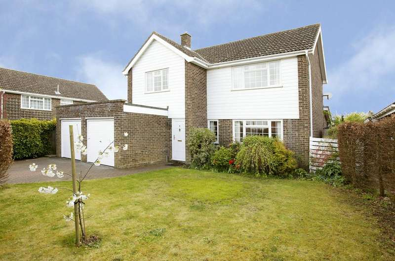 4 Bedrooms Detached House for sale in Watling Road, Attleborough