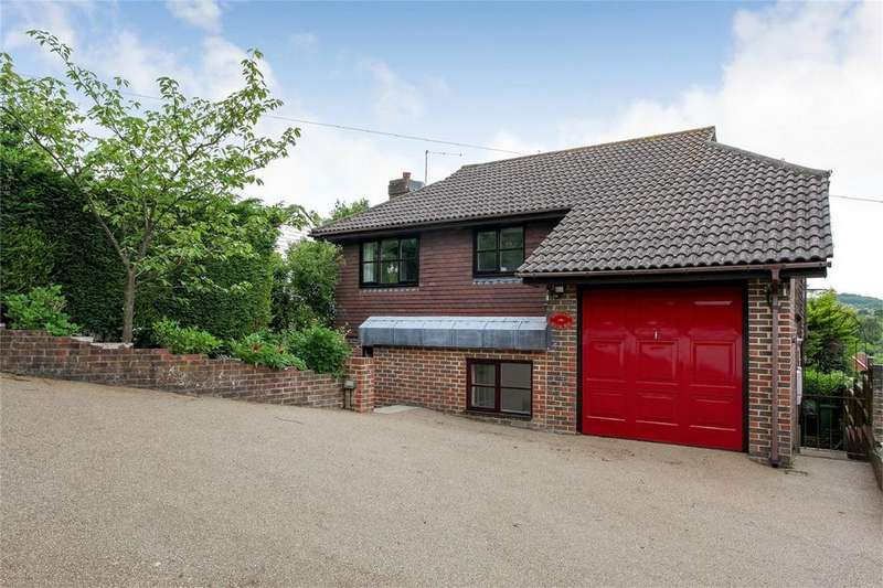 4 Bedrooms Detached House for sale in South Way, Lewes