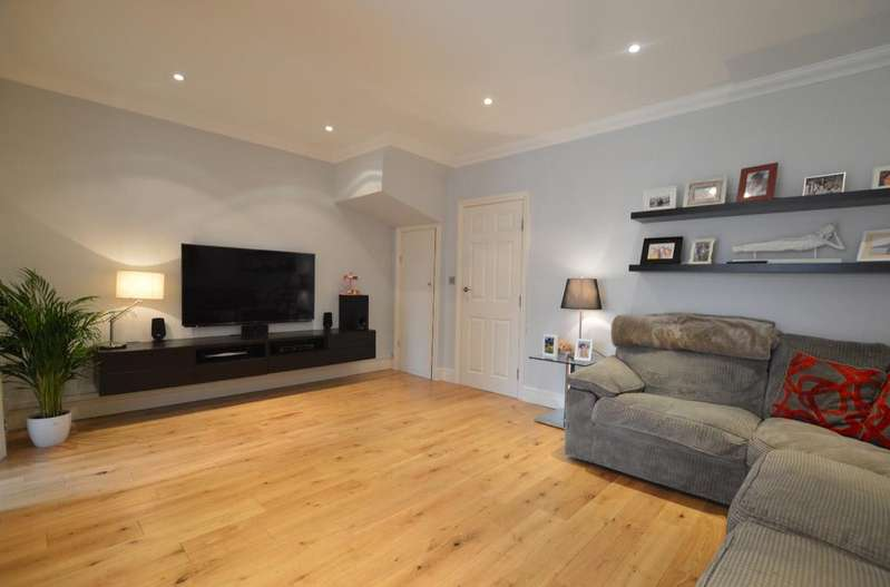 4 Bedrooms Terraced House for sale in Kent House Lane Beckenham BR3