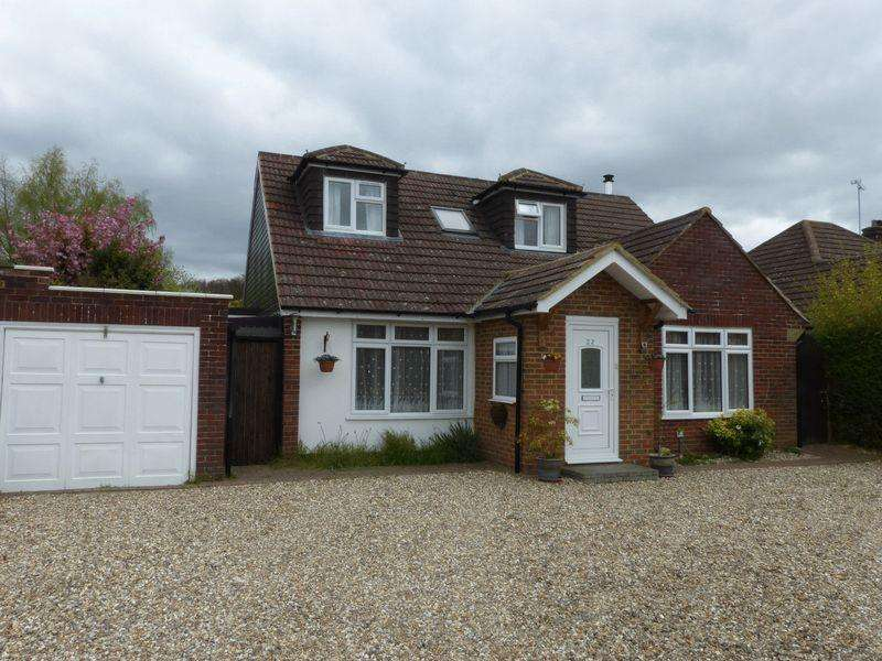 4 Bedrooms Detached Bungalow for sale in Flackwell Heath