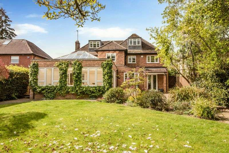 5 Bedrooms Detached House for sale in The Grove, Hartford, Huntingdon, Cambridgeshire.