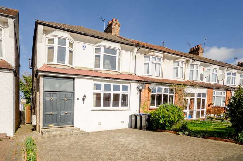 3 Bedrooms House for sale in Faversham Avenue, Bush Hill Park, EN1