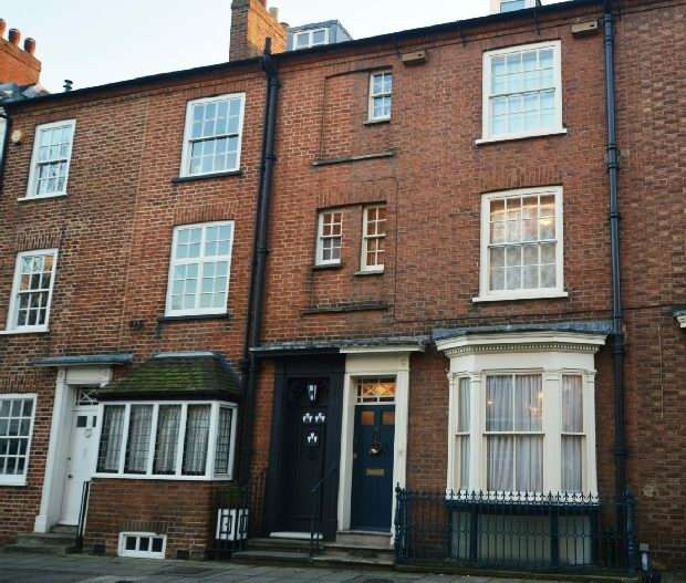 4 Bedrooms Town House for sale in Derngate, Northampton