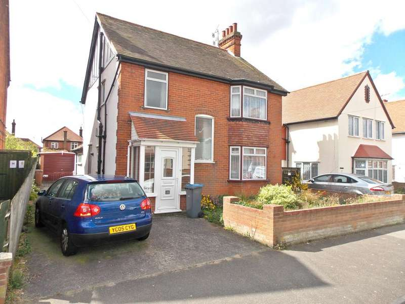 3 Bedrooms Detached House for sale in Buregate Road, Felixstowe, Suffolk IP11