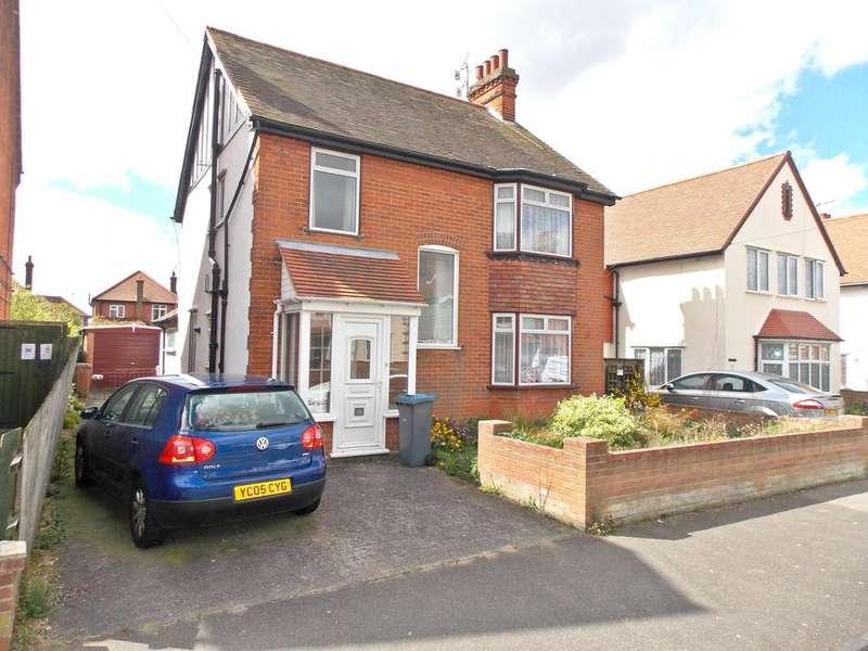 3 Bedrooms Detached House for sale in Buregate Road, Felixstowe, Suffolk IP11