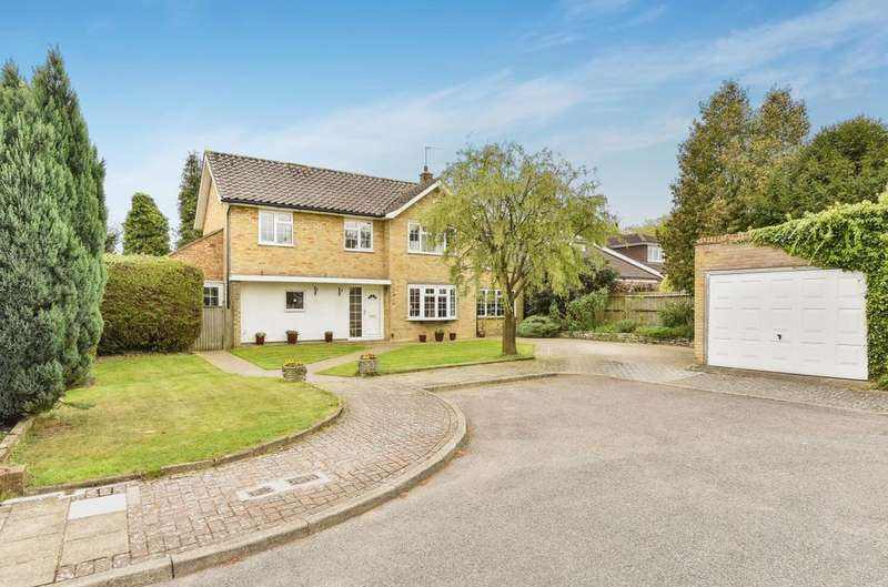 4 Bedrooms Detached House for sale in Durrant Way Orpington BR6