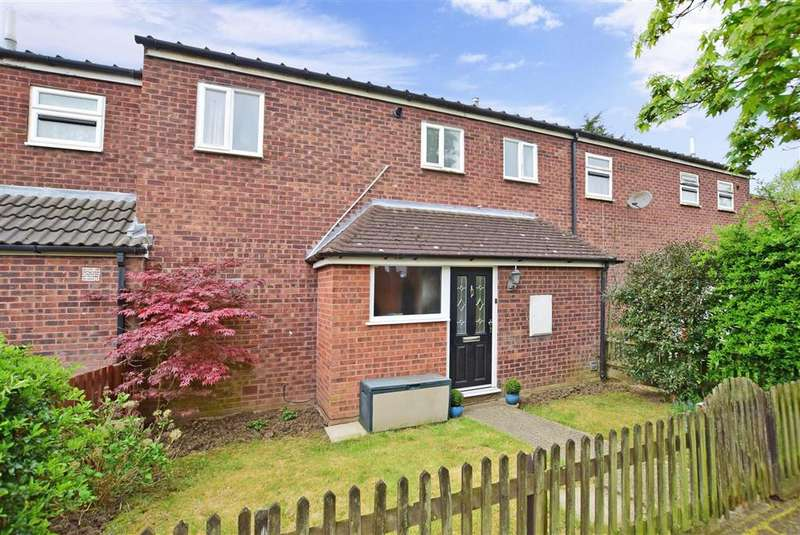 3 Bedrooms Terraced House for sale in Bourne Close, Basildon, Essex