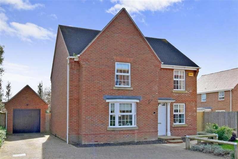 4 Bedrooms Detached House for sale in Blakiston Close, Ashington, West Sussex