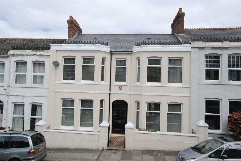 5 Bedrooms Terraced House for sale in Mutley Road, Mannamead, Plymouth. A beautiful 5 bedroomed family home with lovely garden and TRIPLE GARAGE.