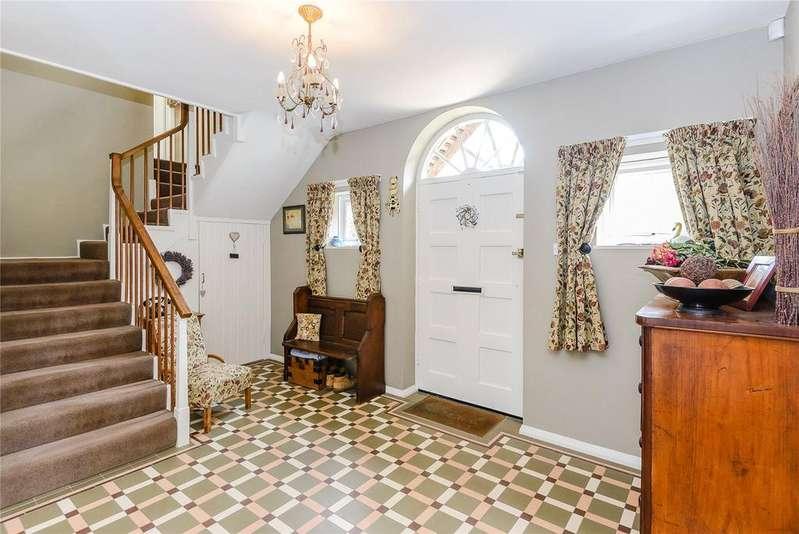 5 Bedrooms Detached House for sale in Old Holbrook, Horsham, West Sussex