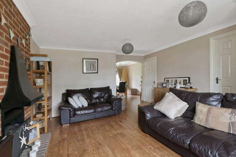 4 Bedrooms Detached House for sale in Kings Acre, Downswood