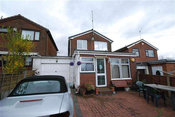 3 Bedrooms Detached House for sale in Southview Terrace, Smithybridge, Rochdale