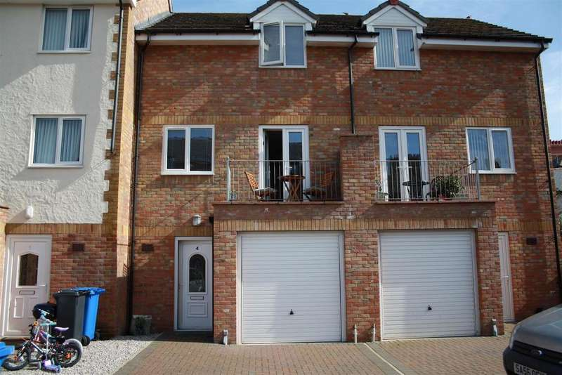 3 Bedrooms Mews House for sale in East Parade, Rhyl