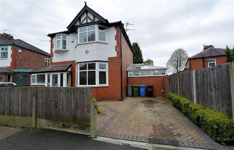4 Bedrooms Detached House for sale in Bramley Avenue, STRETFORD