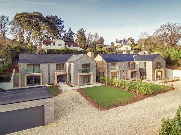 5 Bedrooms Detached House for sale in Lower Bourne, Farnham, Surrey
