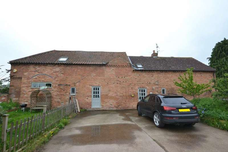 3 Bedrooms Cottage House for rent in Church Street, Orston, Nottinghamshire