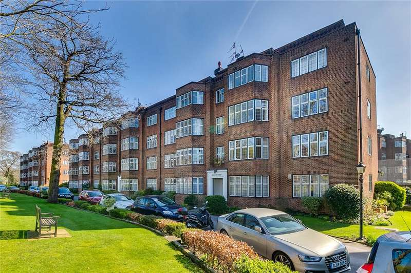 3 Bedrooms Flat for sale in Highlands Heath, Portsmouth Road, London