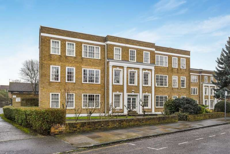 2 Bedrooms Flat for sale in Vanbrugh Fields Parkside SE3