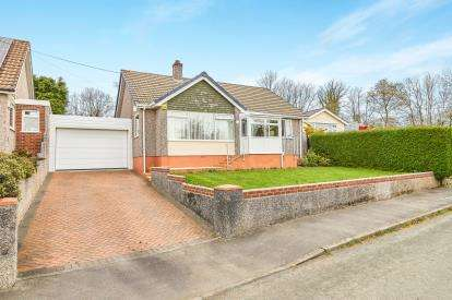 3 Bedrooms Bungalow for sale in Callington, Cornwall, Uk