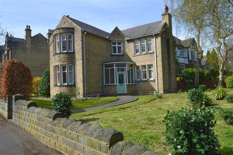4 Bedrooms Detached House for sale in Cleveland Road, Edgerton, Huddersfield, HD1 4PW