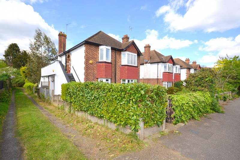 3 Bedrooms Maisonette Flat for sale in Shepperton