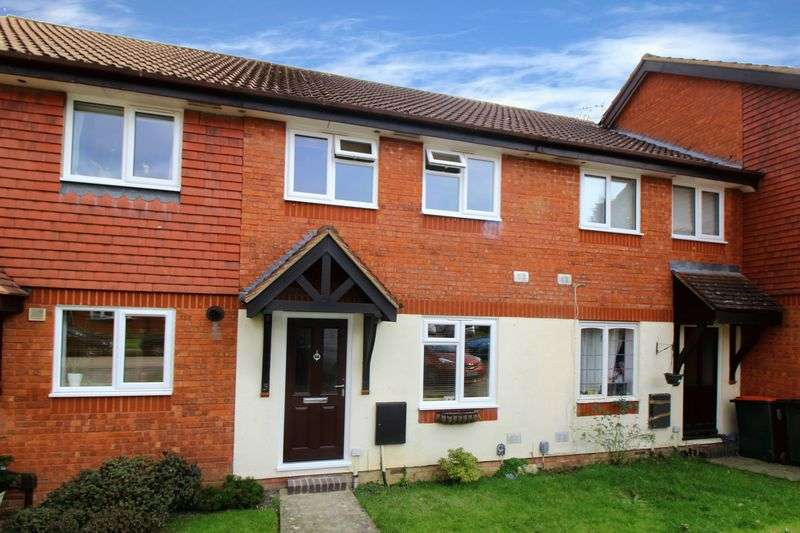 2 Bedrooms Terraced House for sale in Chetwood Road, Crawley