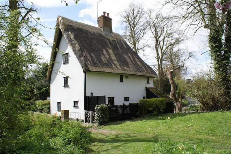 3 Bedrooms Cottage House for sale in Church Street, Wetheringsett, Sussex