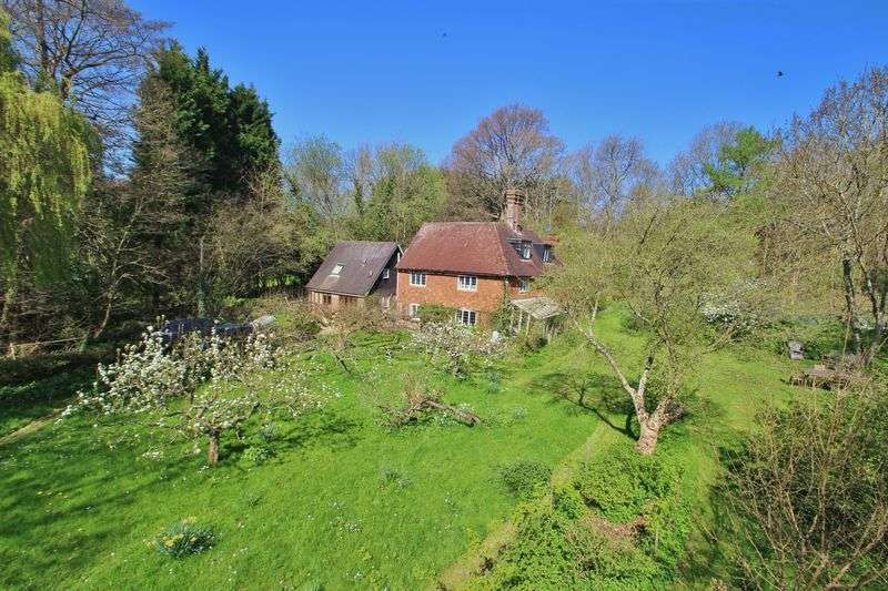 6 Bedrooms Detached House for sale in The Dens, Churchsettle Lane, Wadhurst/Stonegate