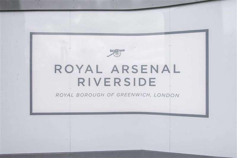 2 Bedrooms Property for sale in Nouvel 1, Royal Arsenal Riverside, London, SE18