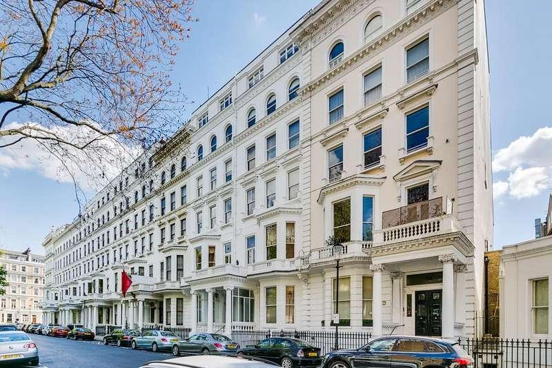2 Bedrooms Flat for sale in Queen's Gate Gardens, South Kensington, London SW7
