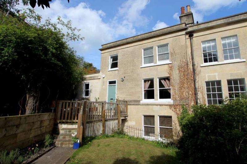 3 Bedrooms Semi Detached House for sale in Camden Road