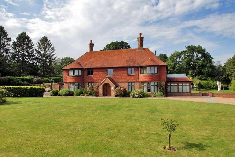 4 Bedrooms Detached House for sale in Sandhurst Lane, Rolvenden, Cranbrook, Kent, TN17