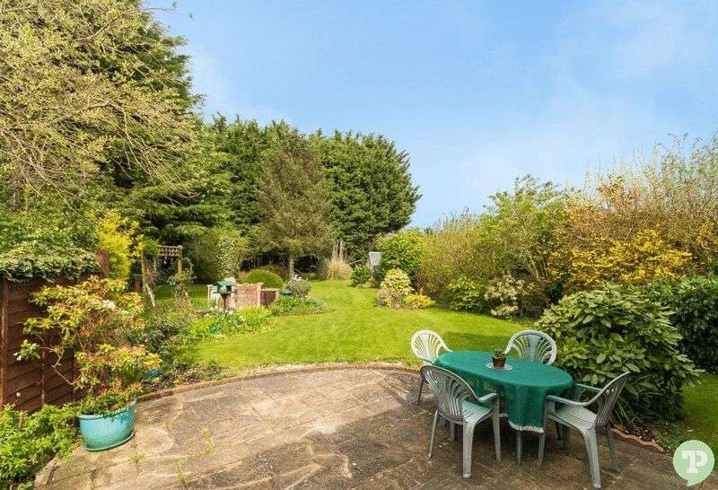 4 Bedrooms Semi Detached House for sale in Cinnamon Close, Chalgrove