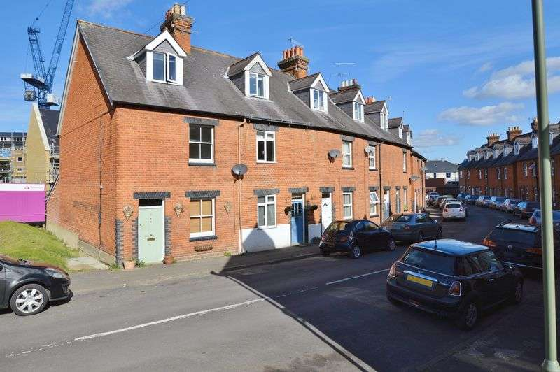 4 Bedrooms Terraced House for sale in Victoria Road, Godalming