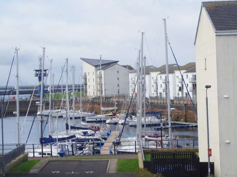 2 Bedrooms Flat for sale in 4F Montgomerie Street, Ardrossan, KA22 8EG